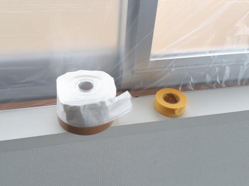雨風の吹込み防止にも使える布テープ付養生シート