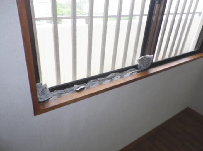 サッシからの雨水の吹込み防水策