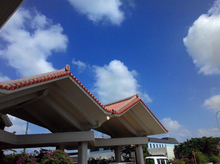 地元の人もどぅまんぎる沖縄の不動産バブル